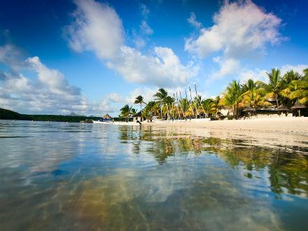 Plages ensoleillées de l'île Maurice