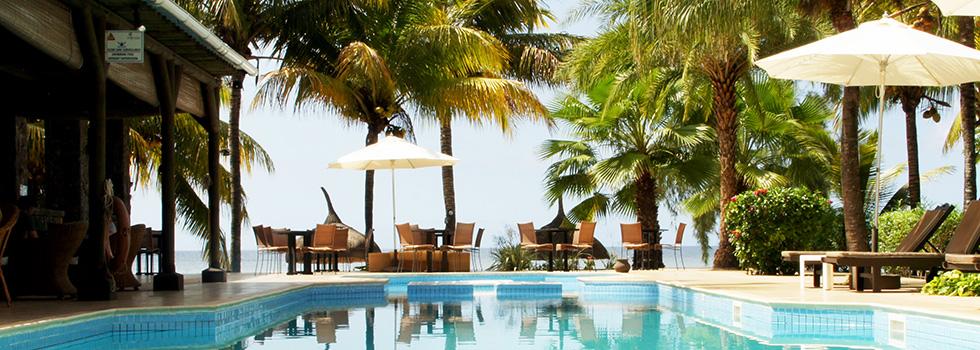 île Maurice : piscine de l'hôtel Les Cocotiers