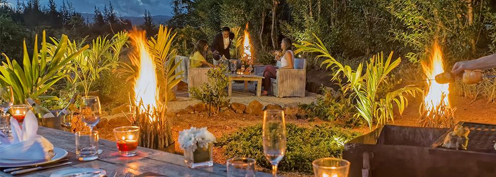 Le Shanti Maurice à l'île Maurice - dîner à la lueur des flambeaux