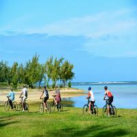 Balade à vélos électriques à l'Outrigger Mauritius Beach Resort