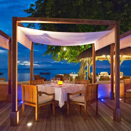 Venez découvrir la star montante Emlyn au Hilton Mauritius Resort & Spa