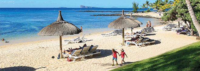 La plage de l'hôtel Canonnier Beachcomber