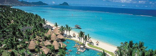 Vue aérienne de La Pirogue Resort & Spa